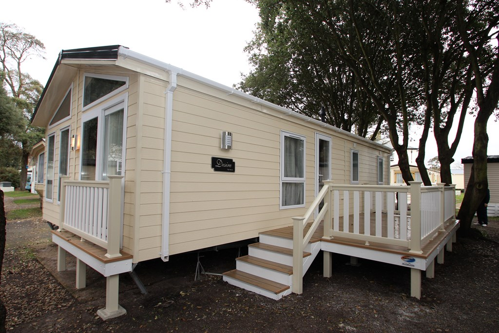 2 Bedroom Holiday Lodge in Mudeford