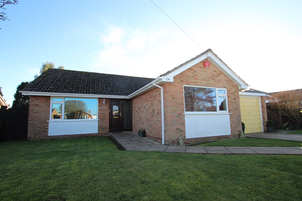 3 Bedroom Bungalow in Highcliffe