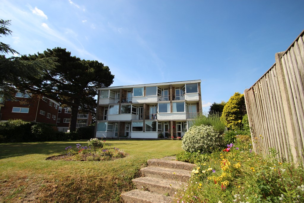 1 Bedroom Flat in Mudeford