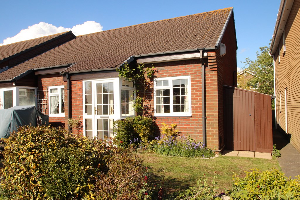 1 Bedroom House in Mudeford