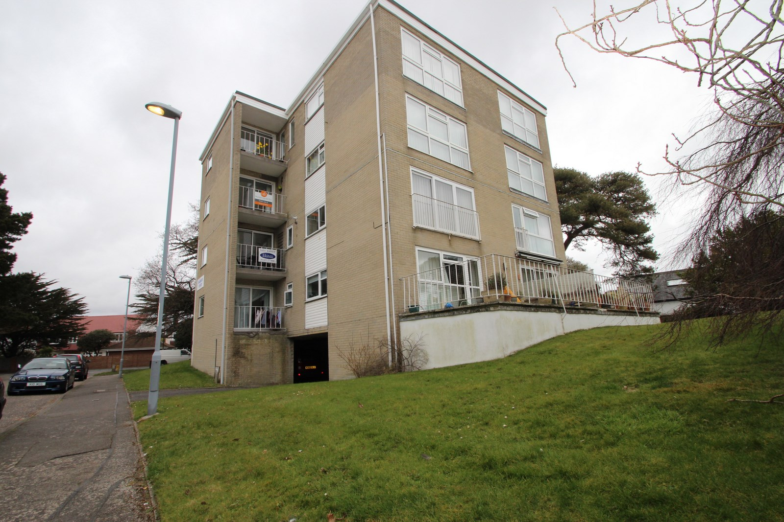 2 Bedroom Flat in Mudeford