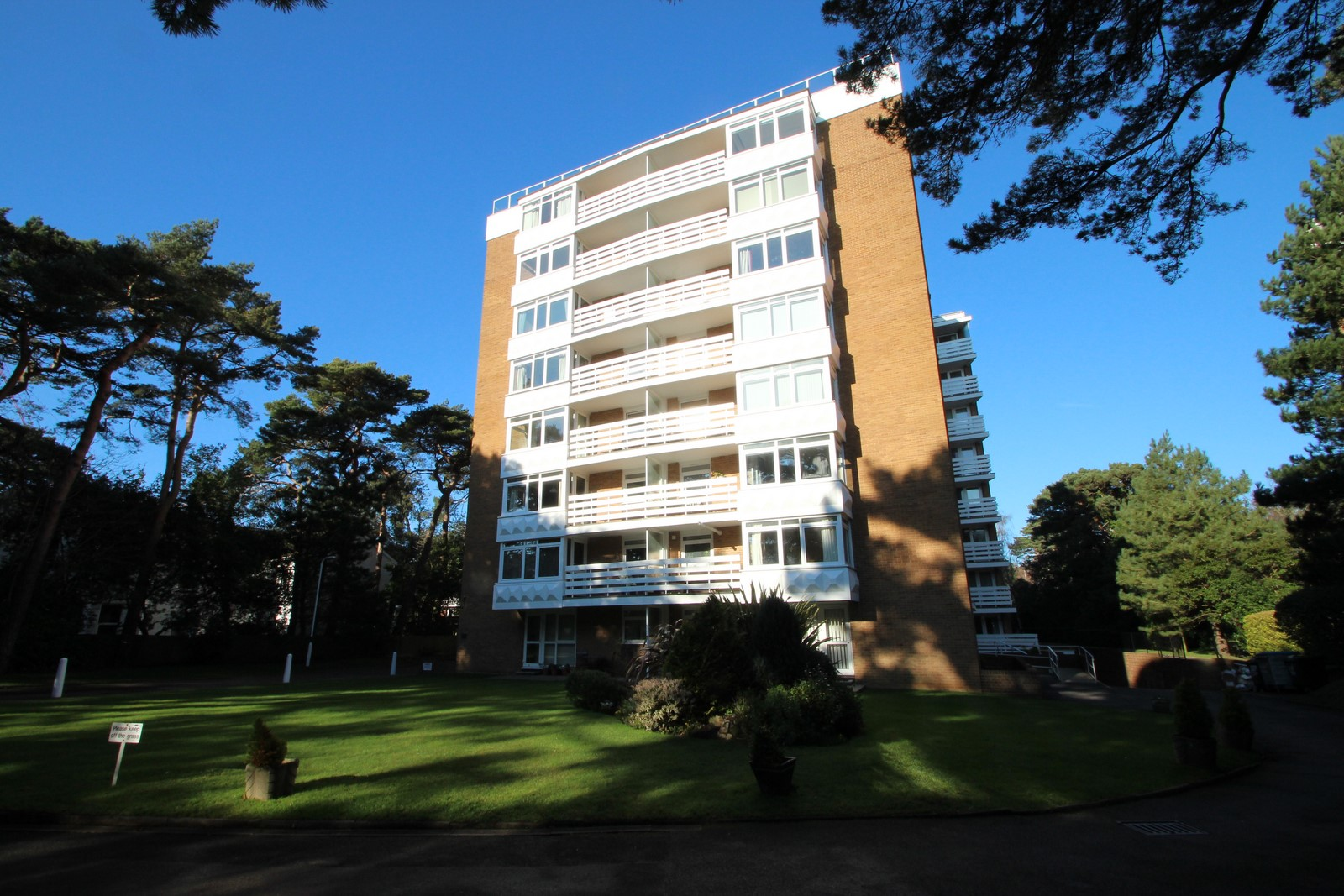 2 Bedroom Penthouse in Bournemouth
