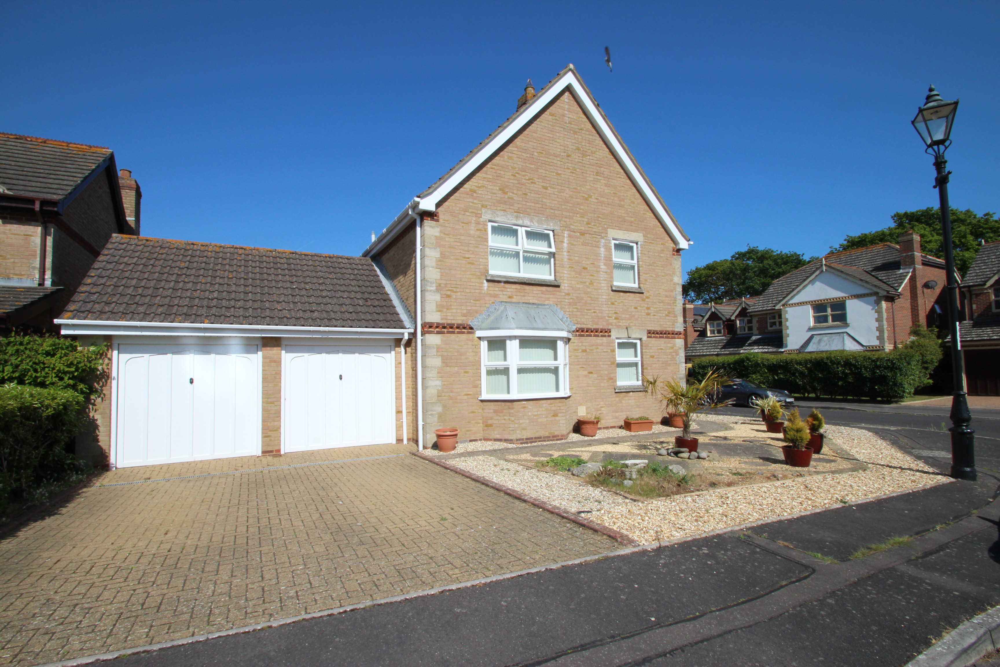 Four Bedroom House in Mudeford