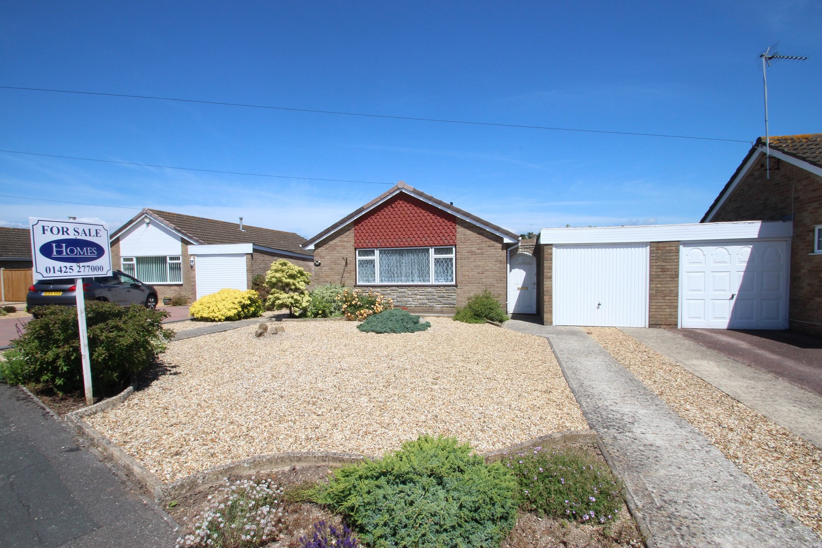2 Bedroom Bungalow in Mudeford