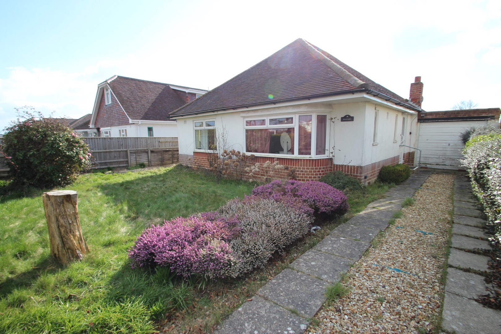 2 Bedroom Bungalow in Barton On Sea