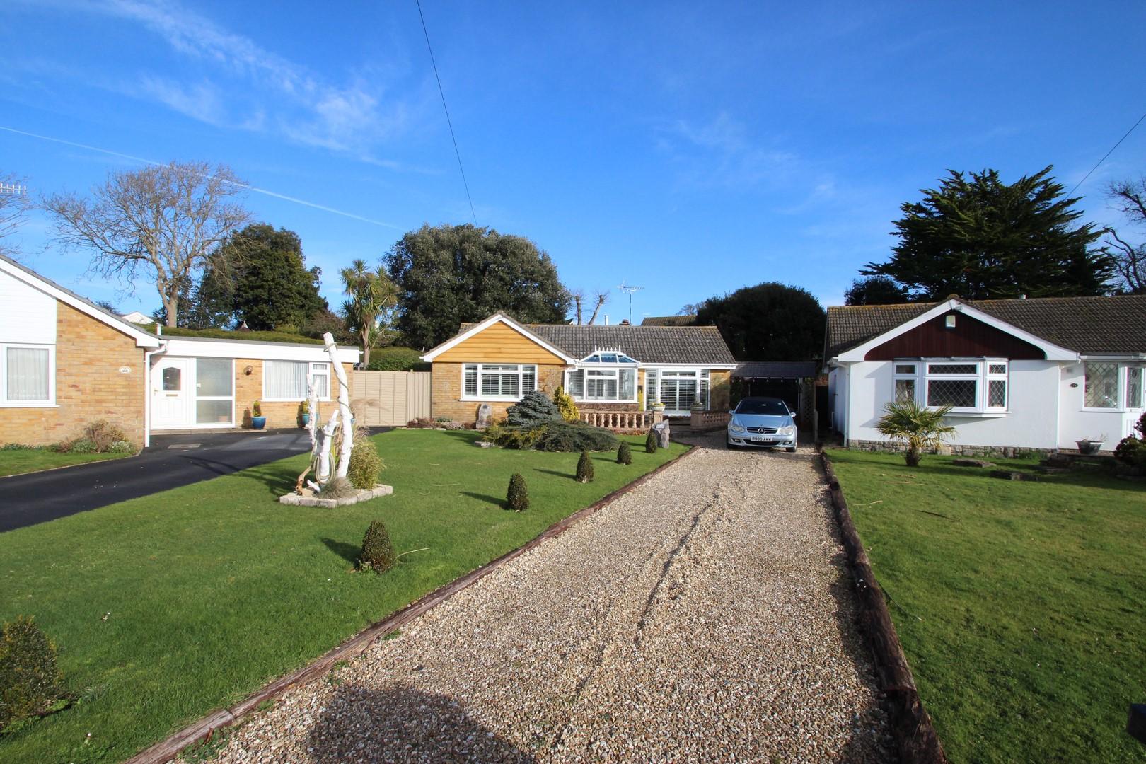 2 Bedroom Bungalow in Mudeford
