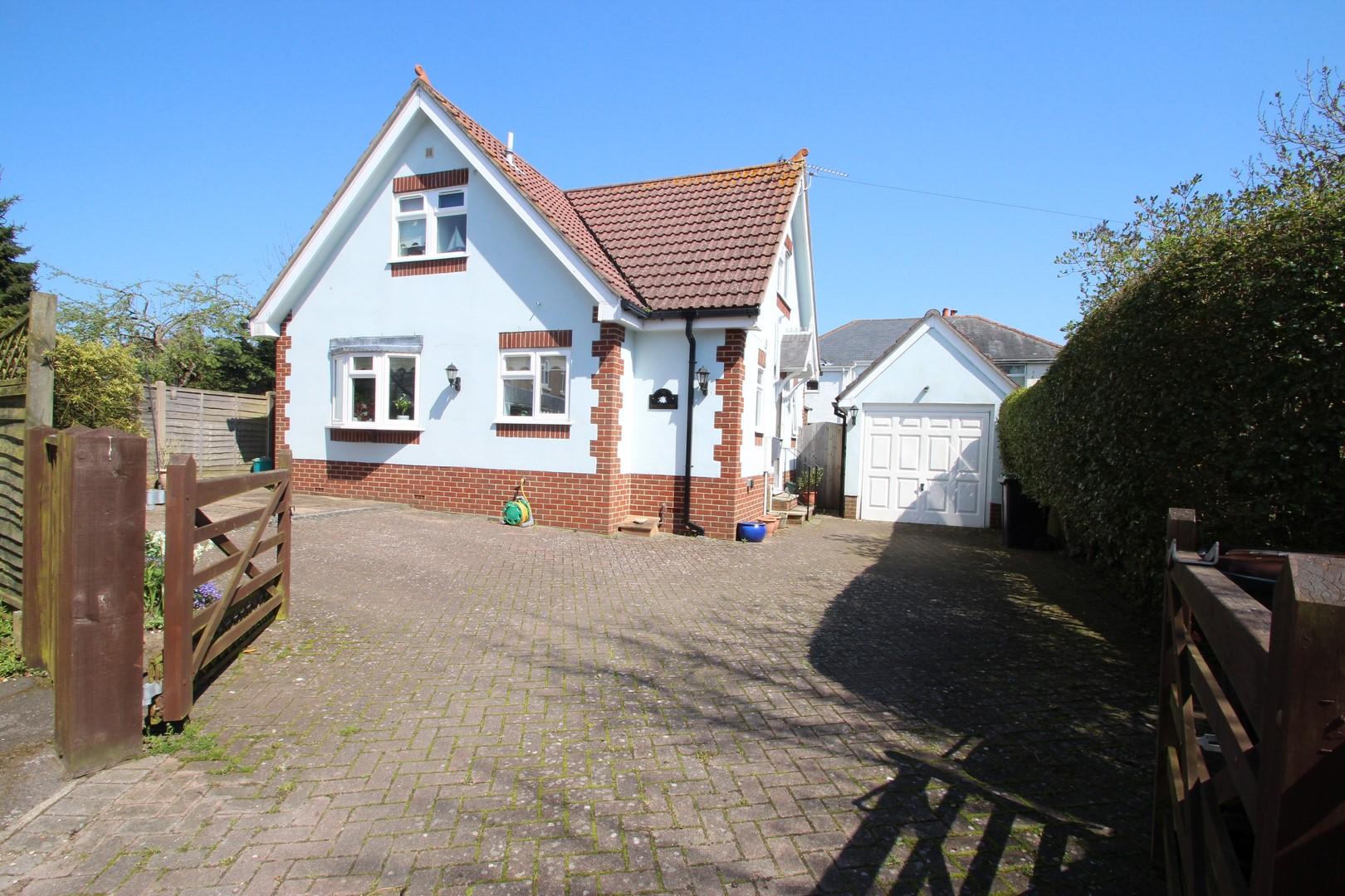 2 Bedroom House in Mudeford