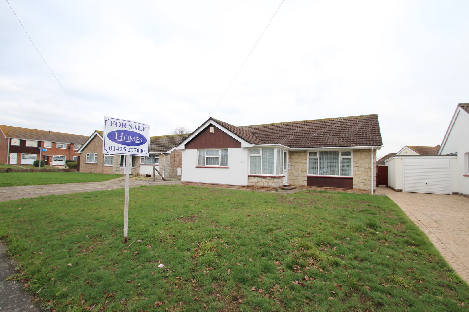 3 Bedroom Bungalow In Mudeford Estate Agents Mudeford