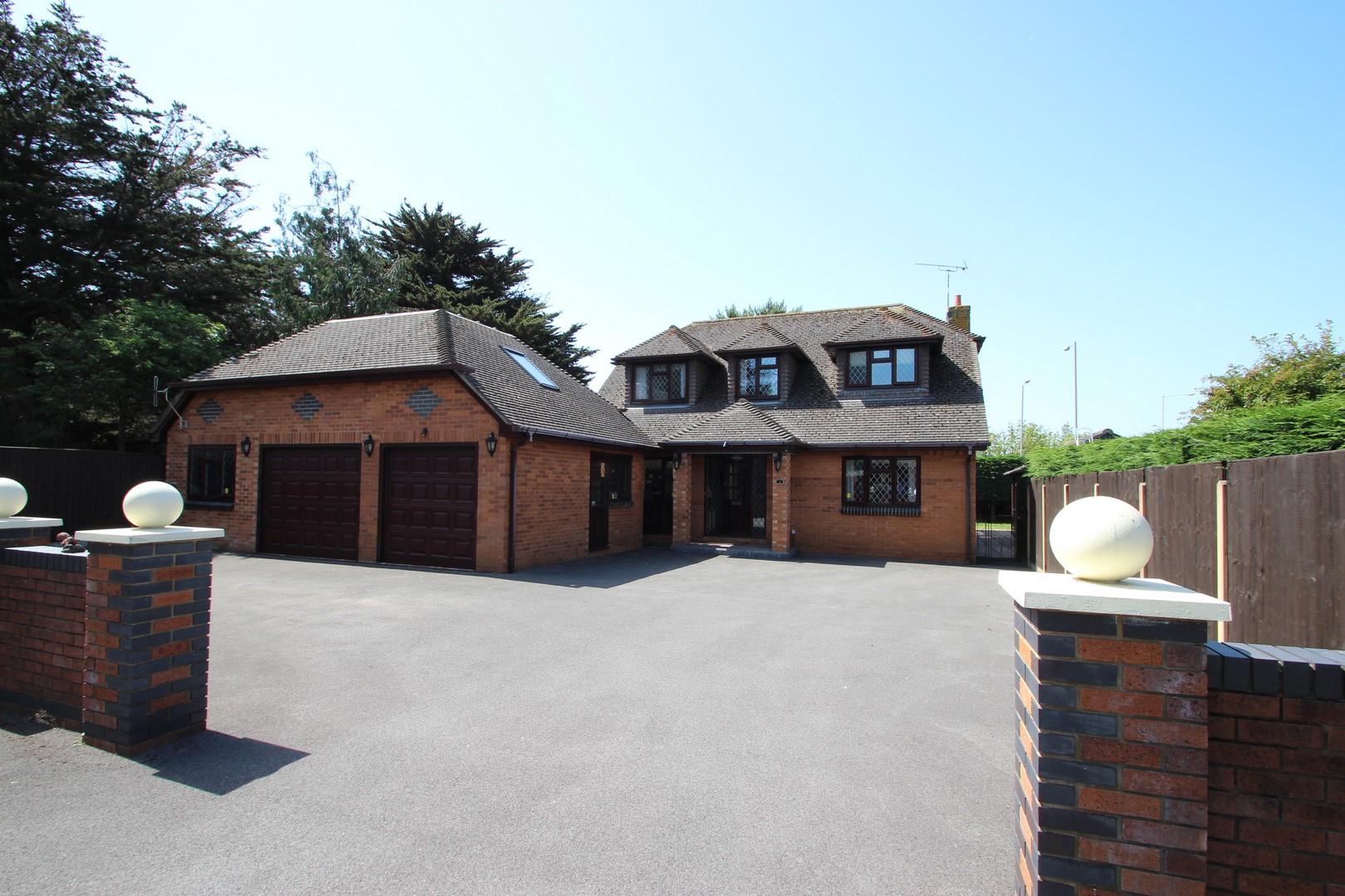 4 Bedroom House in Highcliffe