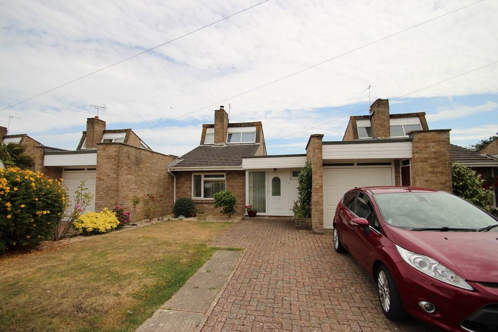 3 Bedroom House in Highcliffe
