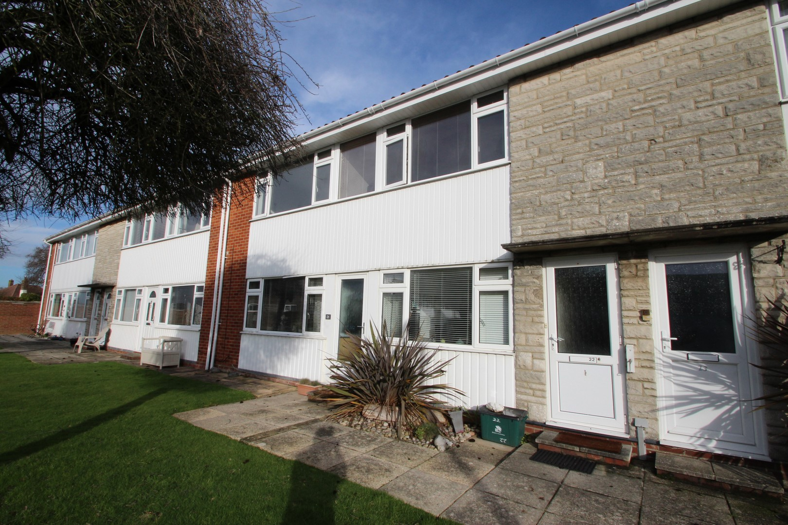 2 Bedroom Flat in Friars Cliff