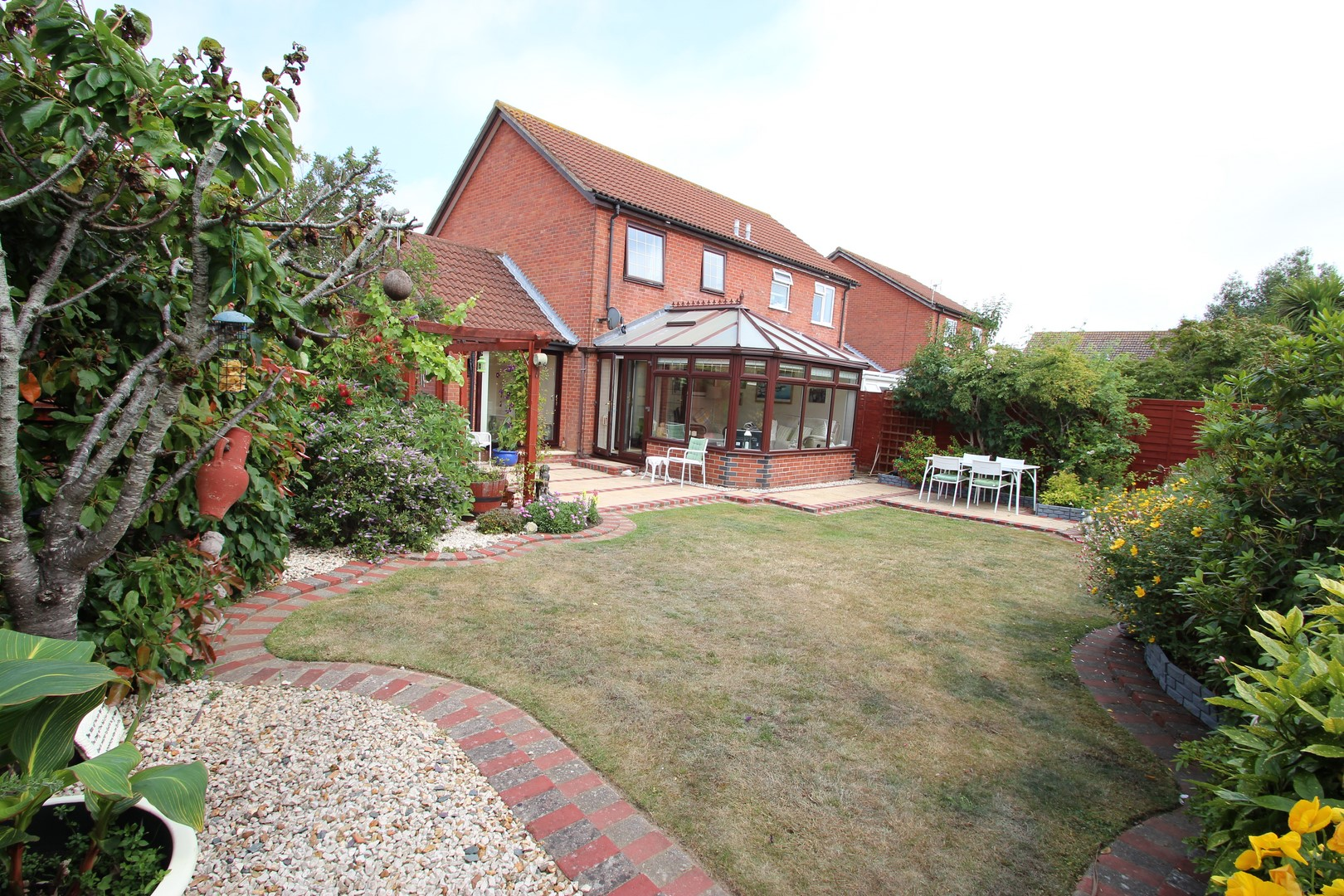 2 Bedroom House in Highcliffe