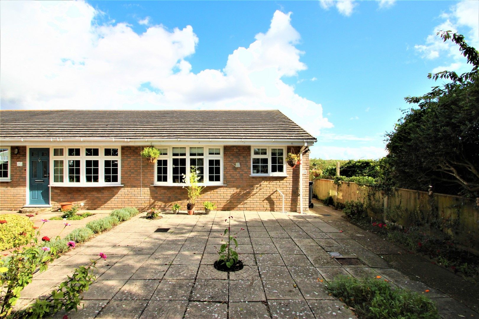 2 Bedroom Bungalow in Christchurch